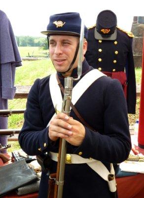 Union confederate soldier